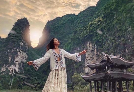 Đắm mình trong vẻ đẹp non nước của Ninh Bình