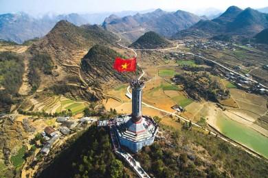 Hà Giang - Lũng Cú - Thác Bản Giốc - Hang Pác Bó - Hồ Ba Bể (Bao gồm VMB)